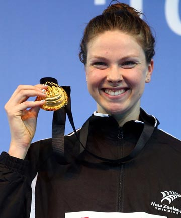Lauren Boyle on the podium after winning the 800m title at the short-course world championships in Turkey.