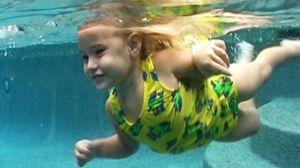 Infant_swimming