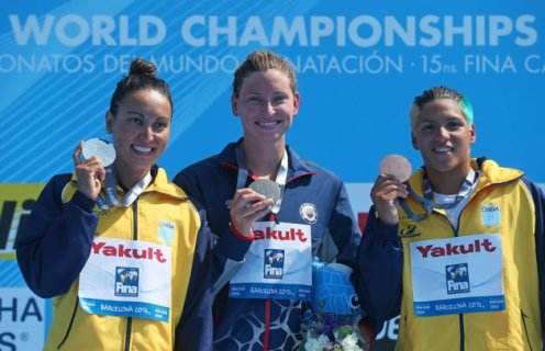 (L-R) Medallists Poliana Okimoto Cintra of Brazil (silver), Haley Anderson of USA (gold) and Ana Marcela Cunha of Brazil (bronze) pose after the Open Water Swimming Women's 5k race on day one of the 15th FINA World Championships at Moll de la Fusta on July 20, 2013 in Barcelona, Spain. (Photo by Alexander Hassenstein/Getty Images)