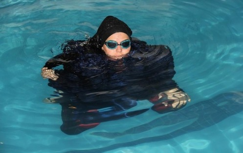 Iran Cracks Down On Champion Swimmer Simply for Being a Woman – Watch How She's Fighting Back © Facebook (Elham Sadat Asghari)